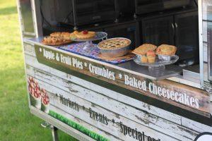 Nee's High Apple Pies