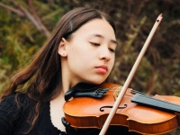 Candice Buchanan, from Eltham North, is a young violinist who plays famous tunes (Czárdas, Blue Danube, etc)