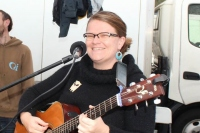 Naomi Jones, erstwhile Eltham resident, writes songs from her experiences of love lost and love found, of life and adventures abroad.